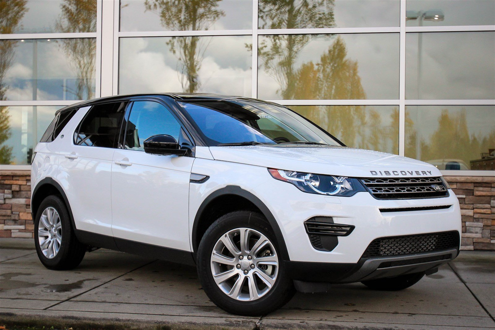 new 2017 land rover discovery sport se sport utility in bellevue 21561 land rover bellevue. Black Bedroom Furniture Sets. Home Design Ideas