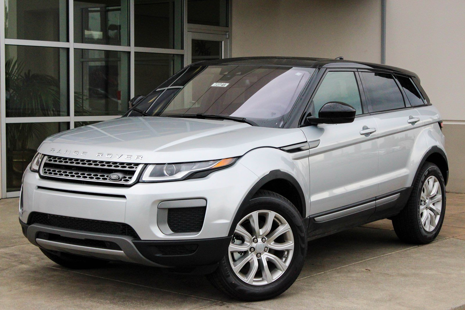 new 2017 land rover range rover evoque se sport utility in bellevue 72748 land rover bellevue. Black Bedroom Furniture Sets. Home Design Ideas